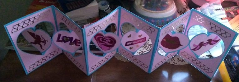 6 panel valentines accordion card
