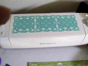Celtic Knot on my Cricut with removable vinyl