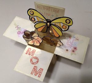 Box card for mom with flowers and Butterfly