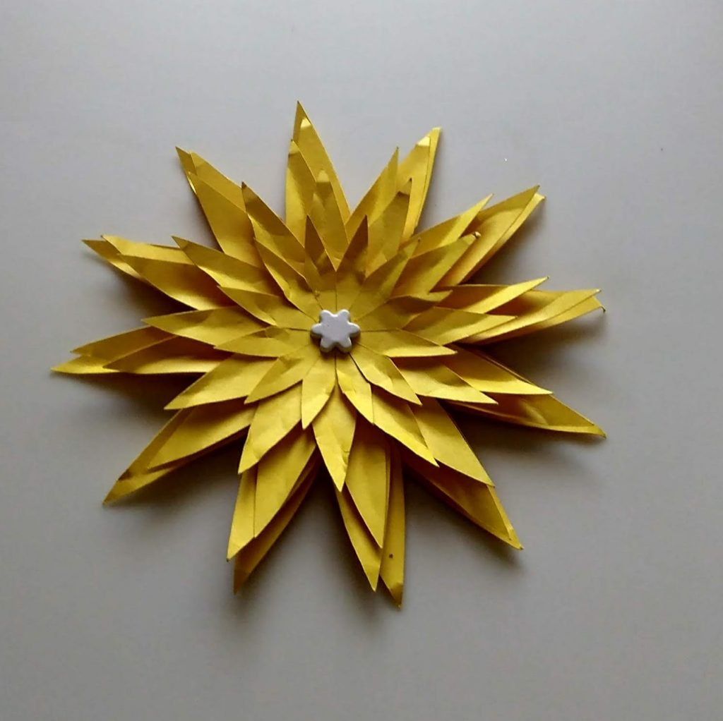 Yellow Fancy Daisy made from paper