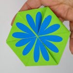 Side 1 of toy from Flower toy Make a Triflexahexagon