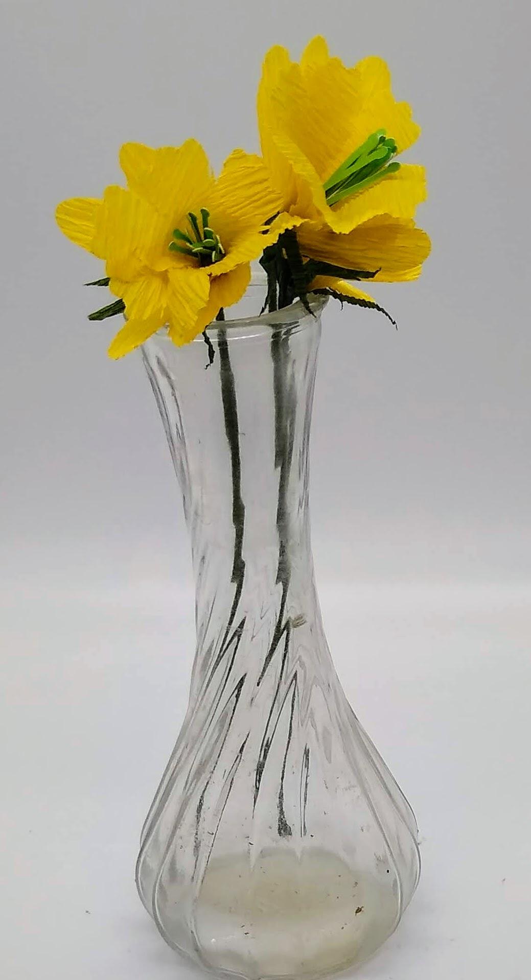 Make a Paper Daffodil 2020